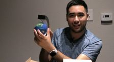 Unboxing C Shape Floating and Rotating Globe by Aaron Garcia